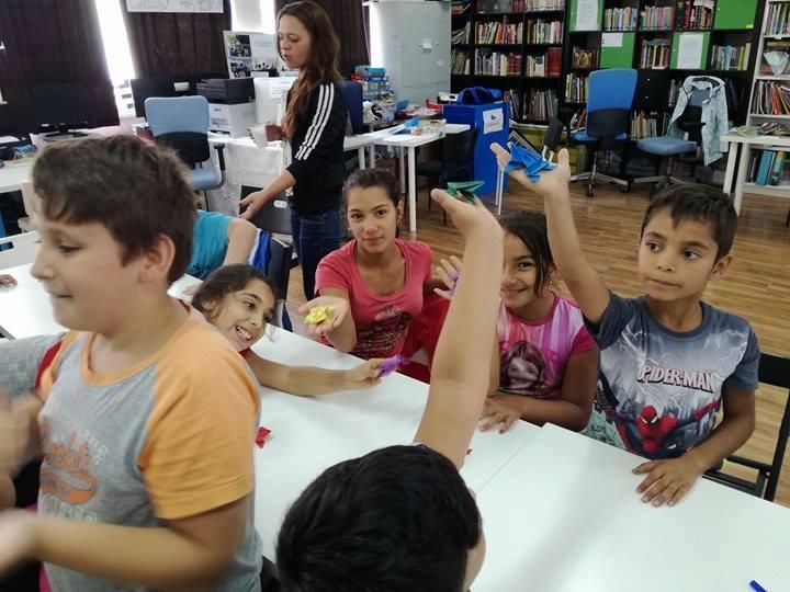 PlaYouth şi Clubul de educaţie alternativă