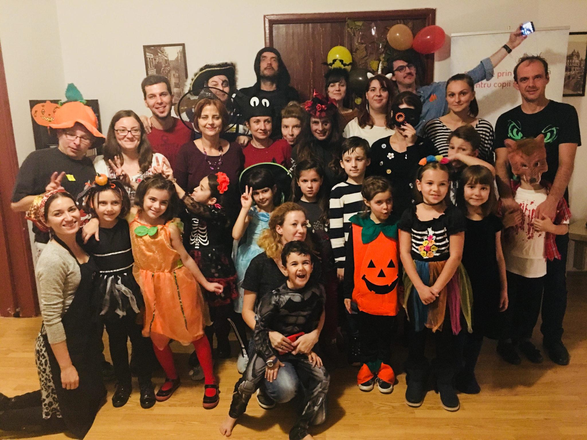 O petrecere dragă nouă – Halloween party