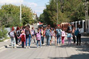 Ana si Copiii Campanie Back to School Caravana Abecedar PlaYouth